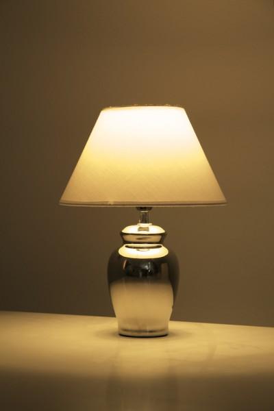 tischleuchte simon chrom mit wei em stoffschirm wohnraumleuchten tischlampen modern. Black Bedroom Furniture Sets. Home Design Ideas