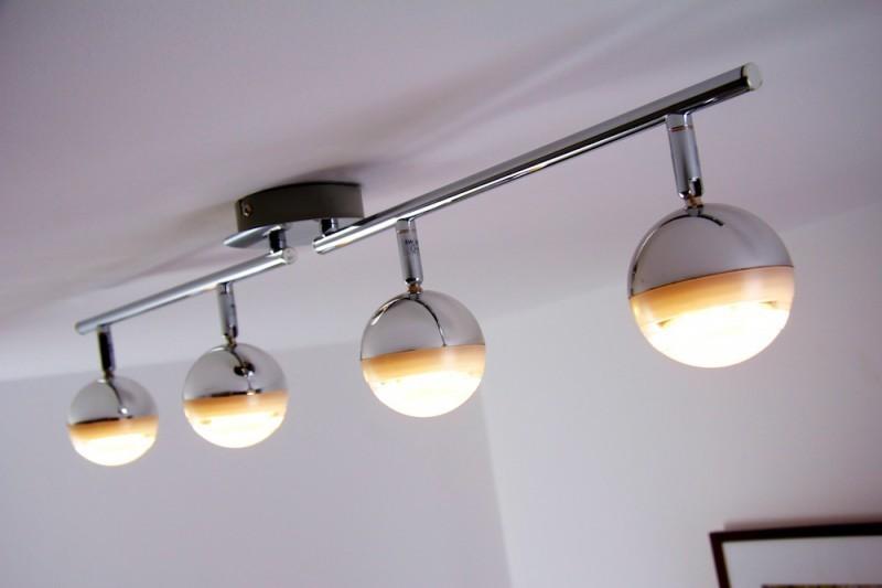 4 spots sur rail led plafonnier moderne lustre lampe. Black Bedroom Furniture Sets. Home Design Ideas